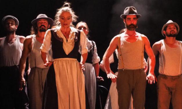 «Vive la vie» : l'impressionnante fresque valaisanne qui allie théâtre, musique et danse